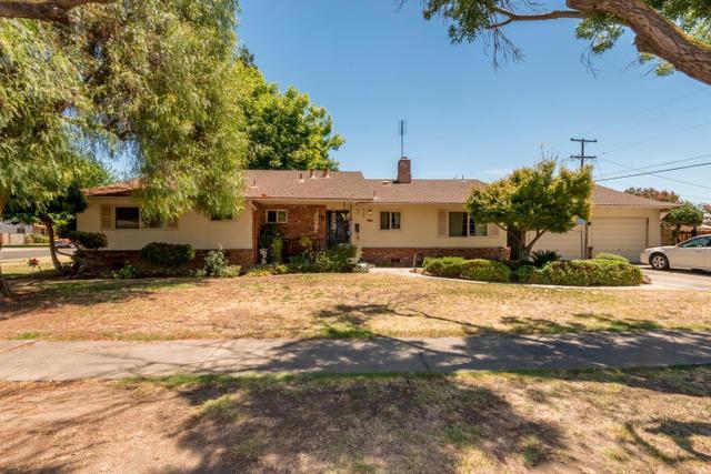 2536 N Sierra Vista Ave, Fresno, CA 93703