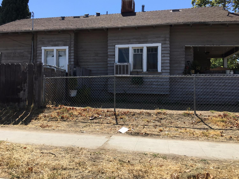 2440 E Tyler Avenue, Fresno, CA 93701
