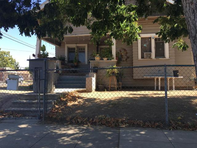 2440 E Tyler Ave, Fresno, CA 93701