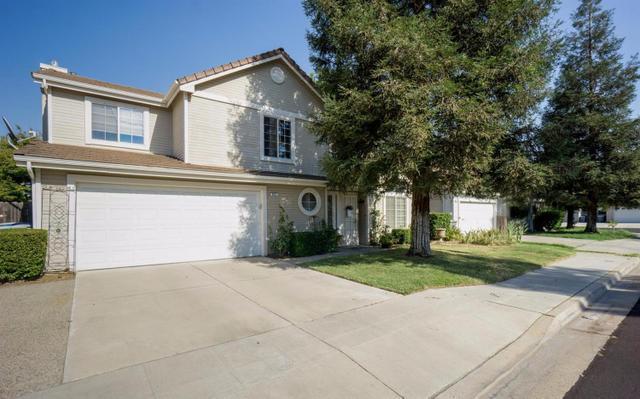 981 N Homsy Ave, Clovis, CA 93611