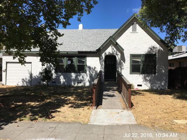 721 E La Sierra Dr, Fresno, CA 93728