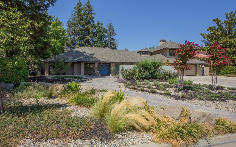 2882 W Cromwell Avenue, Fresno, CA 93711