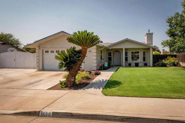 1498 Ashcroft Ave, Clovis, CA 93611