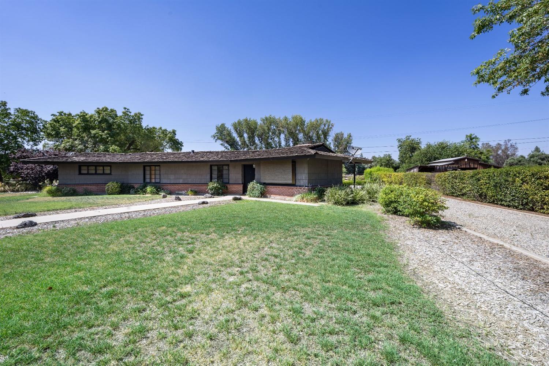 5481 E Balch Avenue, Fresno, CA 93727