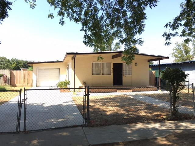208 W Eden Ave, Fresno, CA 93706