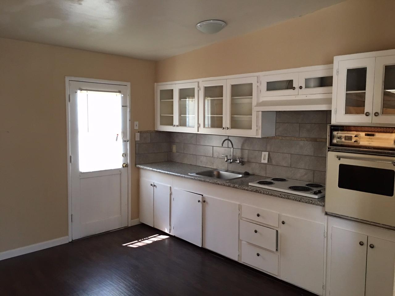 208 W Eden Avenue, Fresno, CA 93706