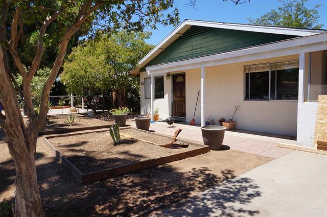 1142 W Valencia Ave, Fresno, CA 93706