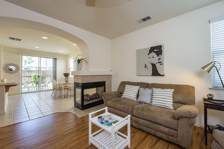 1659 Glen Dunbar Lane, Clovis, CA 93619