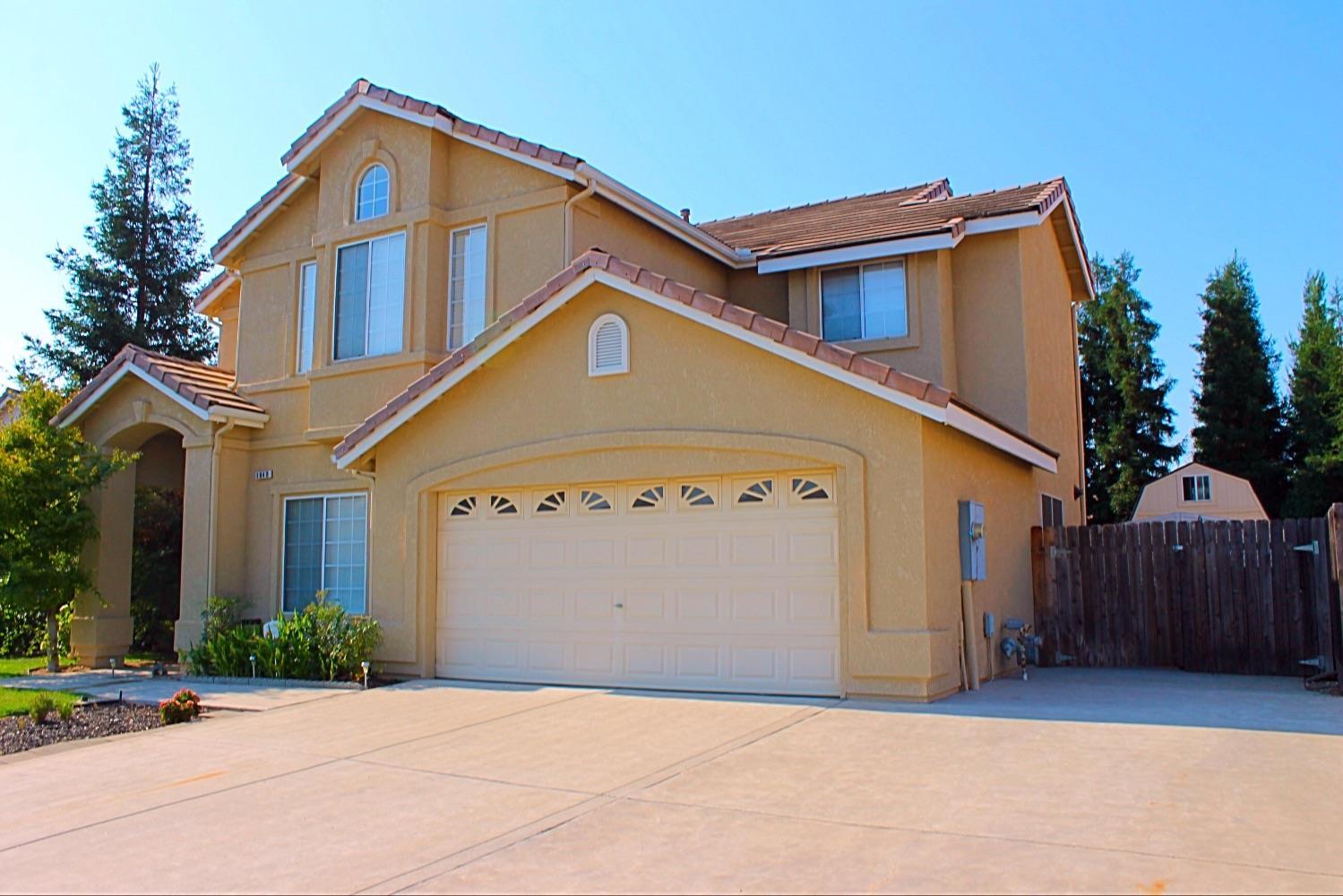 1840 Goshen Avenue, Clovis, CA 93611