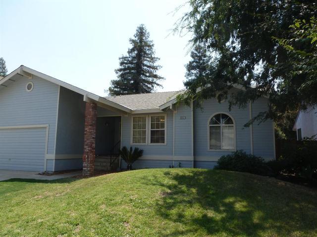 6047 E Cimarron Ave, Fresno, CA 93727