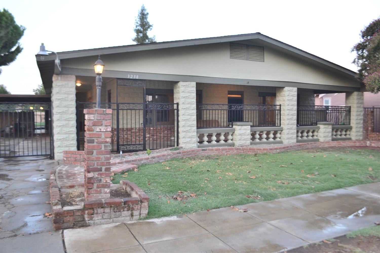 3238 E Balch Avenue, Fresno, CA 93702