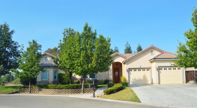 10590 E Duckpoint Way, Clovis, CA 93619