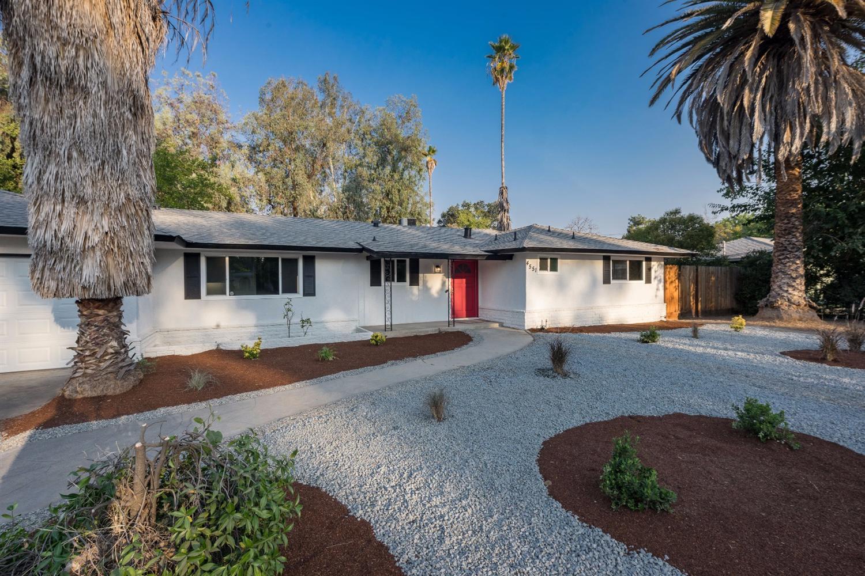 4551 N Fruit Avenue, Fresno, CA 93705