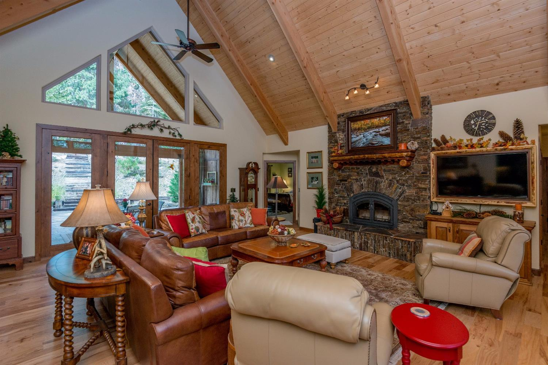 40254 Snow Flower Lane, Shaver Lake, CA 93664