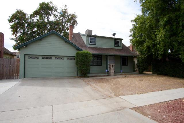 2404 E Fairmont Ave, Fresno, CA 93726