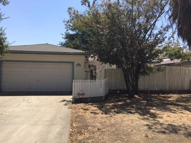 328 E Walnut Ave, Coalinga, CA 93210