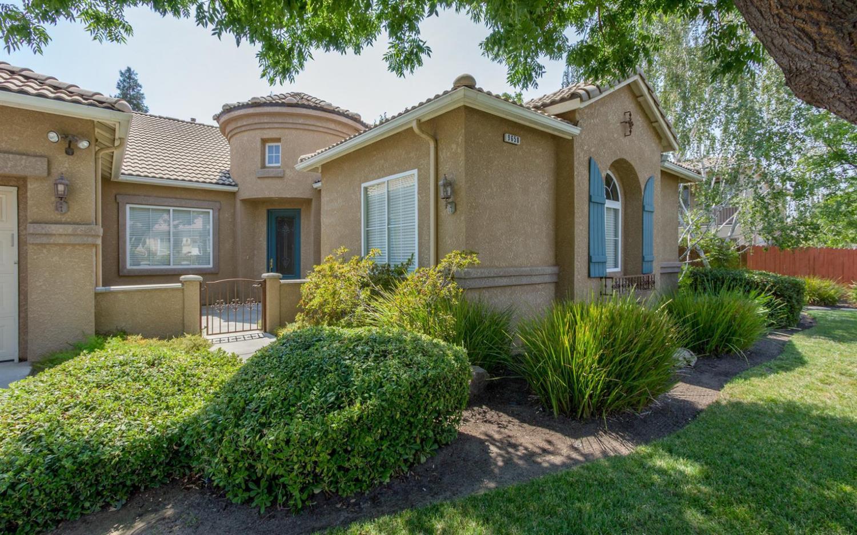 9658 N Willey Court, Fresno, CA 93720