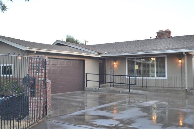 2335 E Peralta Way, Fresno, CA 93703