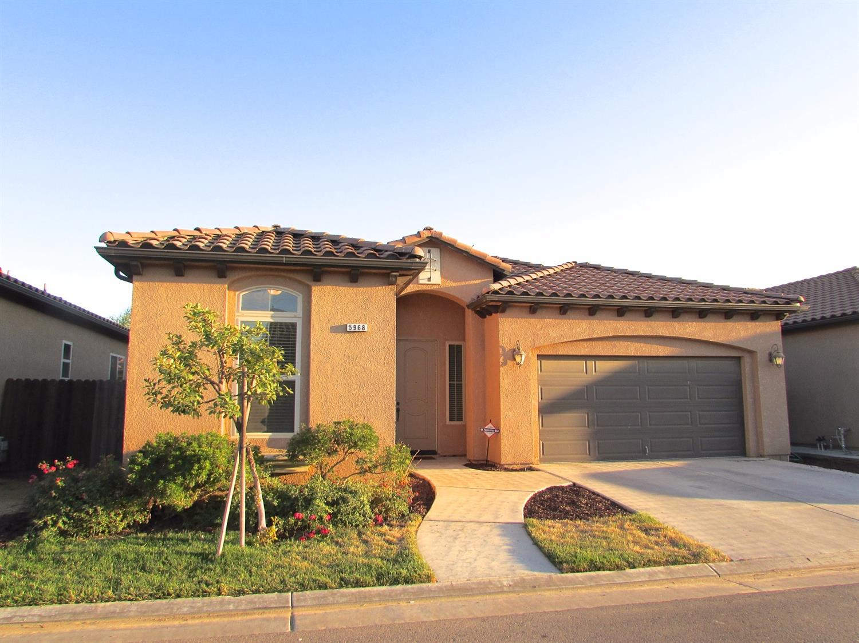 5968 E Viaduct Casella Drive, Fresno, CA 93727