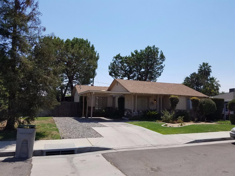 4434 E Curran Drive, Fresno, CA 93703