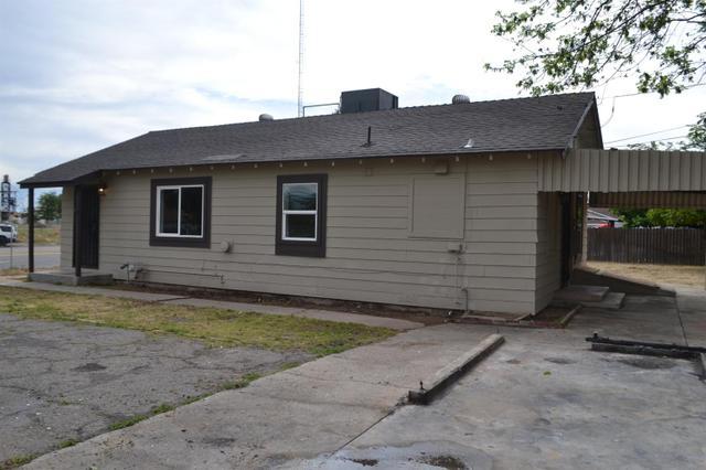 2550 W Shields Ave, Fresno, CA 93705