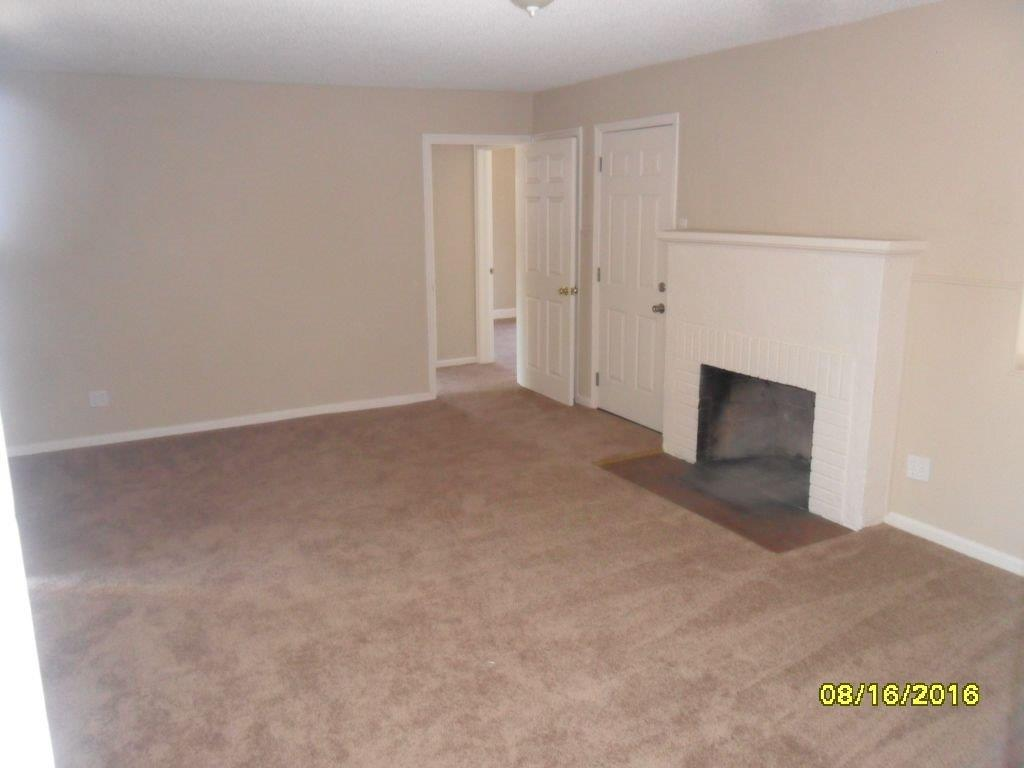 1618 W Cortland Avenue, Fresno, CA 93705