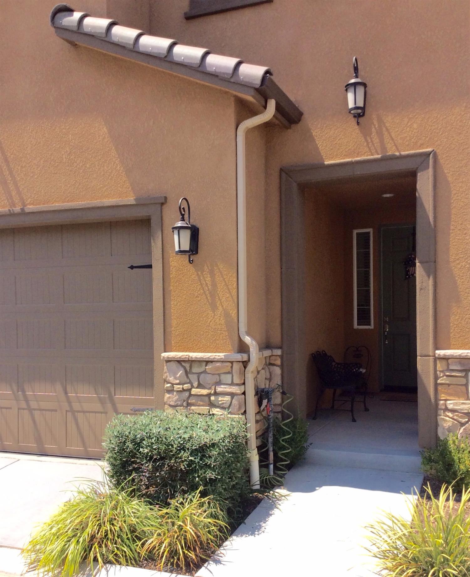 7041 N Oratorio Drive, Fresno, CA 93711