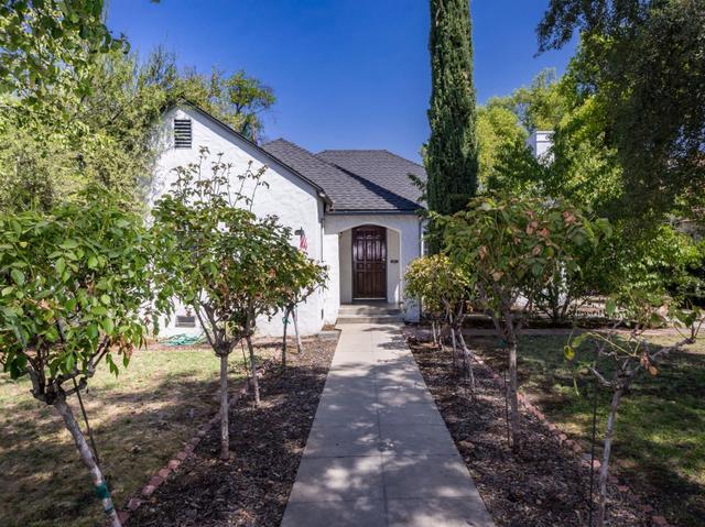 1011 E Vassar Ave, Fresno, CA 93704