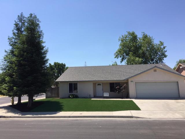 1294 Estabrook Ave, Clovis, CA 93612