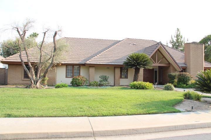 323 N 4th St, Fowler, CA 93625