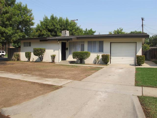 2442 W Cortland Ave, Fresno, CA 93705
