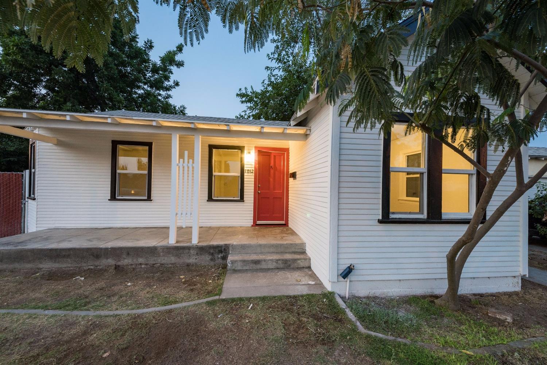 1012 E Shields Avenue, Fresno, CA 93704