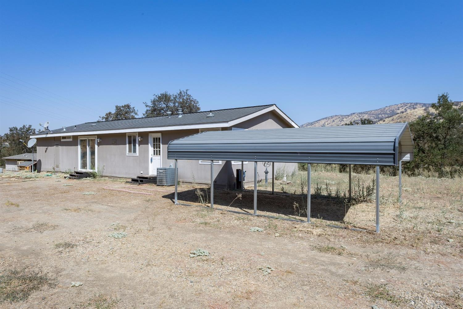 37943 Squaw Valley Road, Squaw Valley, CA 93675