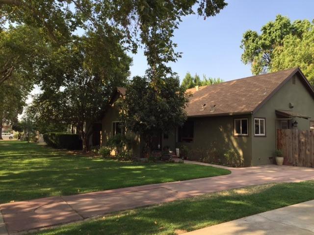 2445 N Arthur Ave, Fresno, CA 93705