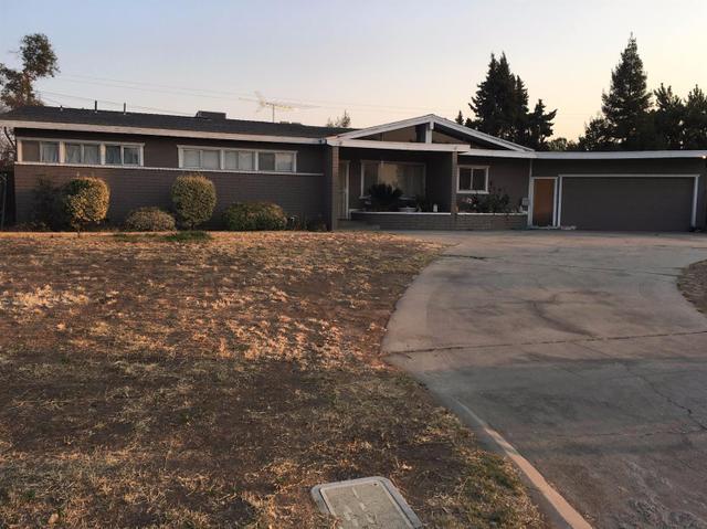 6069 E Townsend Ave, Fresno, CA 93727