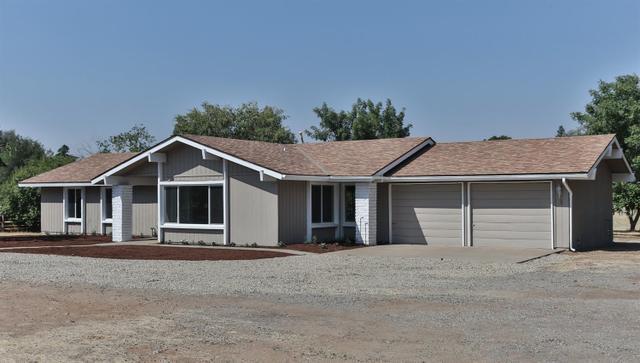 8737 N Madsen Ave, Clovis, CA 93619