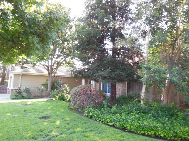 2834 Mitchell Ave, Clovis, CA 93611