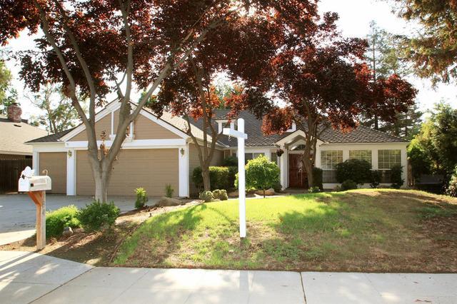 384 Gateway Ave, Clovis, CA 93612