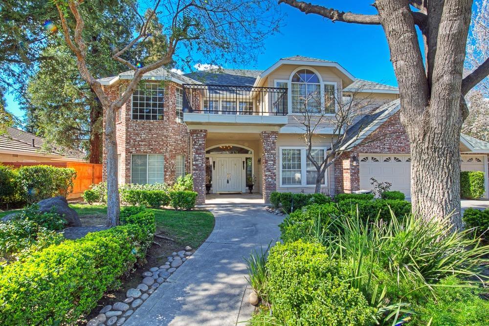 7287 N Antioch Ave, Fresno, CA 93722