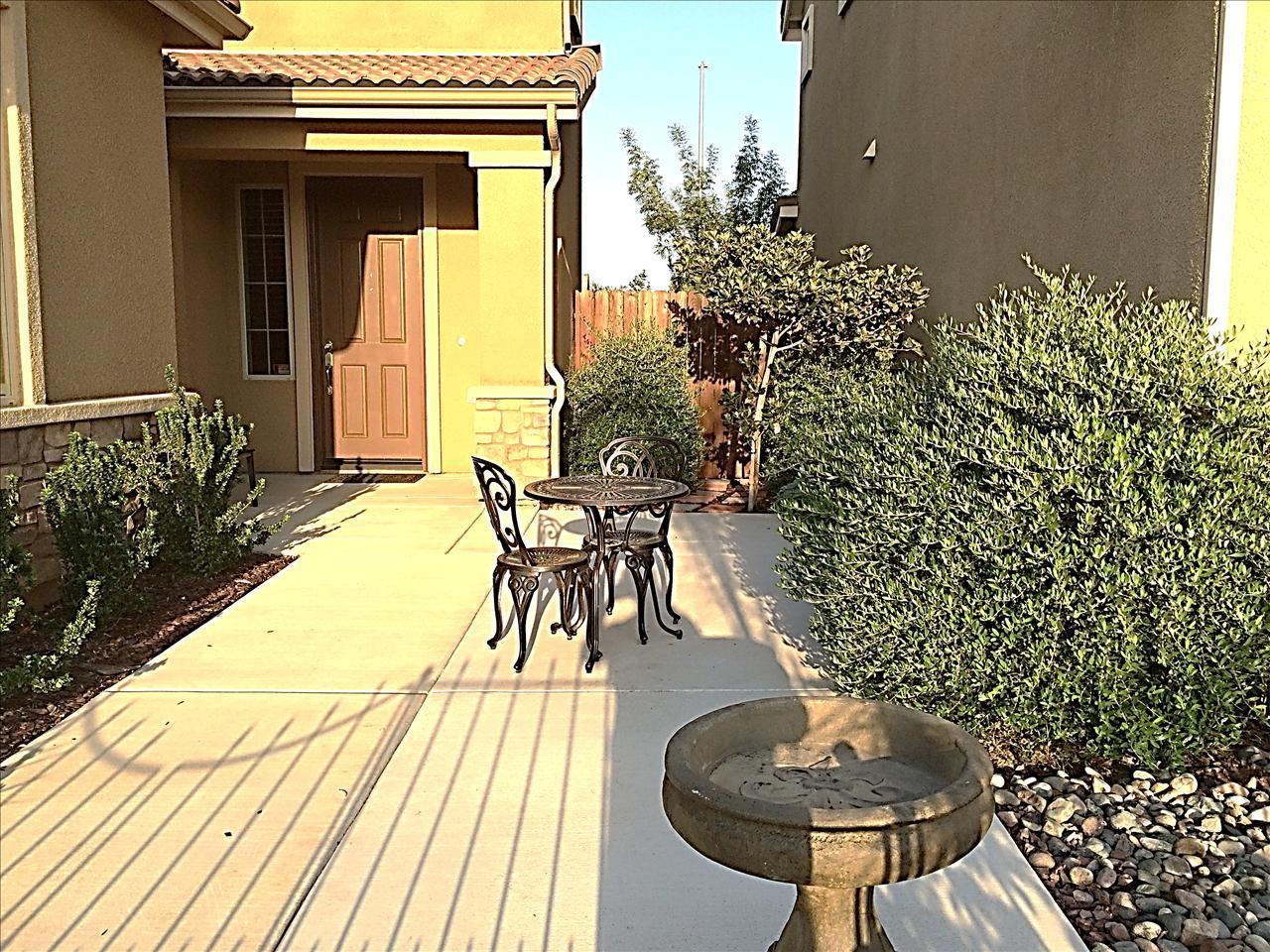 3276 Carmelita Avenue, Clovis, CA 93619