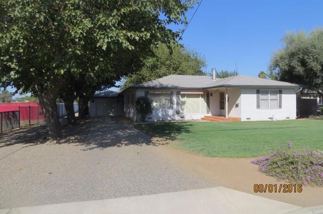 391 N Euclid Ave, Dinuba, CA 93618
