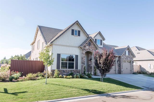 4381 N Meadowood, Clovis, CA 93619