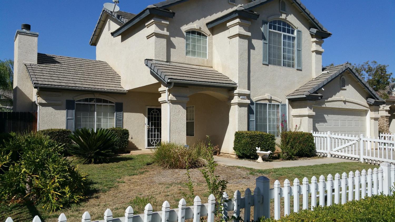2324 E La Quinta Drive, Fresno, CA 93730