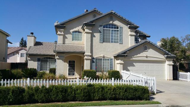 2324 E La Quinta Dr, Fresno, CA 93730