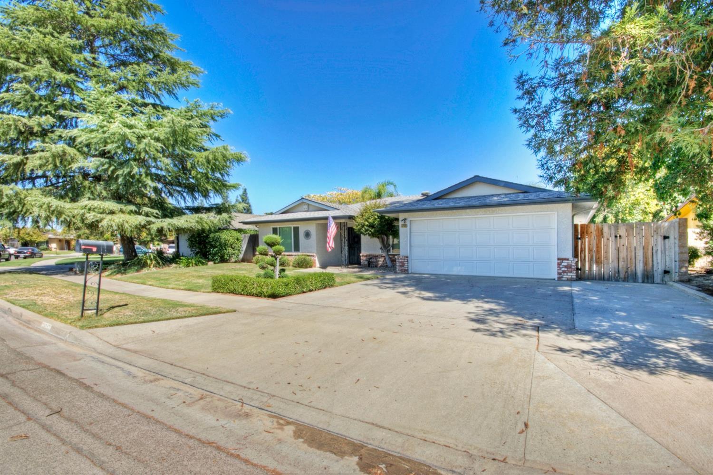 3730 W Calimyrna Avenue, Fresno, CA 93711