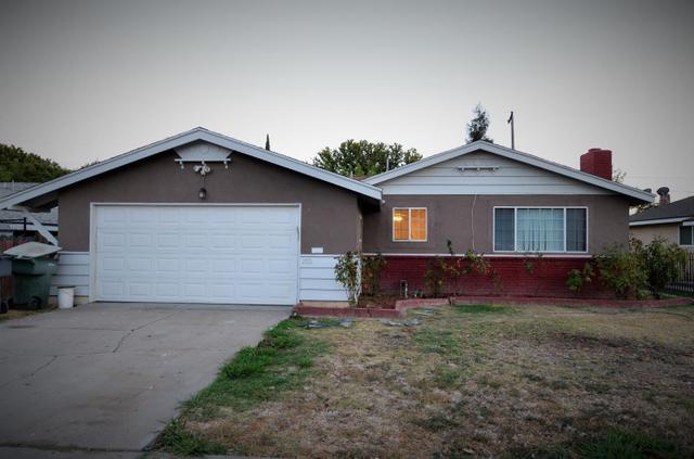 2332 E Holland Ave, Fresno, CA 93726