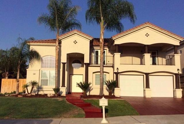 7758 N Debra Ave, Fresno, CA 93722