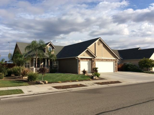 529 W Serena Ave, Clovis, CA 93619