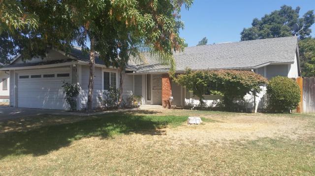 2995 Sylmar Ave, Clovis, CA 93612