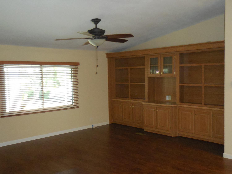 221 W Herndon Avenue #91, Pinedale, CA 93650